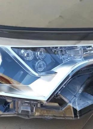 Toyota C-HR Фара 81130-F4030