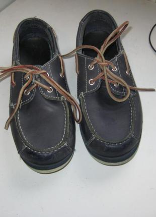 Фирменные, удобные , кожанные туфли для мальчика. бренд-timber...