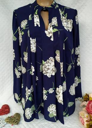 Невероятно красивая блуза свбодного кроя в цветы размер 16-18(...
