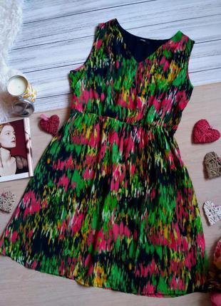Красивое платье в акварельный принт размер 16 (44-46)