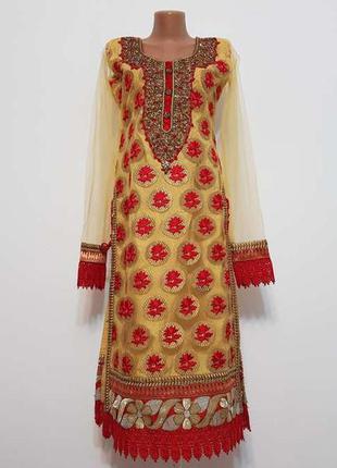 Платье со стразами, камнями и украшениями, как новое!