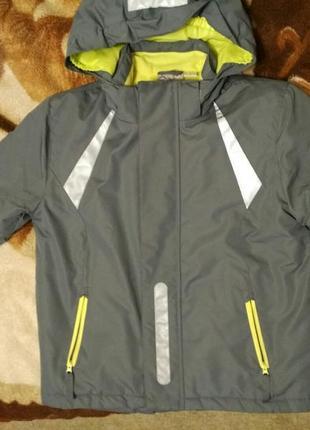 Зимняя термо деми куртка на мальчика 5-7 лет, идеальном состоянии