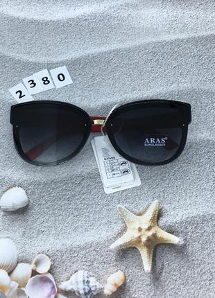 Модные очки с черными линзами и красными дужками к. 2380