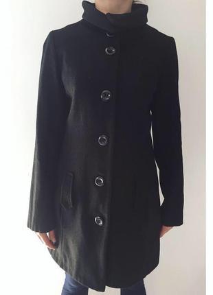 Черное пальто, чорне пальто, пальто под шею.