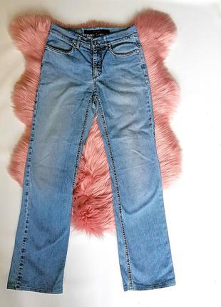 Классические прямые голубые джинсы дорогого бренда escada итал...