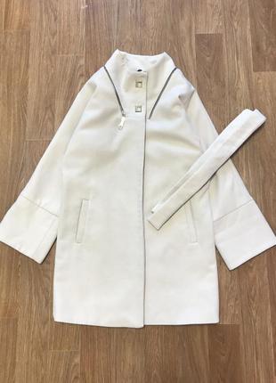 Стильное пальто с поясом и без