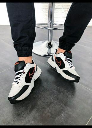 "Nike Air Monarch IV ""Black/White"""