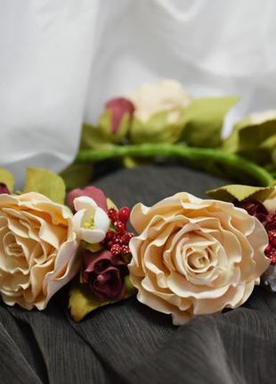 Венок женский персиковые розы