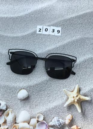 Солнцезащитные очки цвет линз черный к. 2039