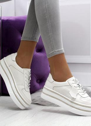 Новиночка стильные кроссы