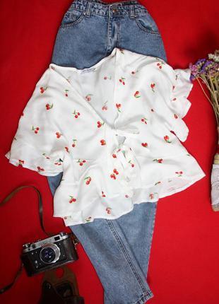 Легенькая натуральная блузка, рубашка с рюшами в вишенки