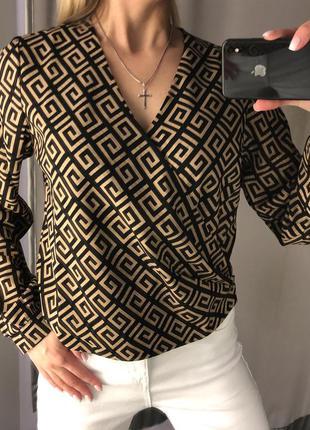 Красивая блузка с запахом. amisu. размеры уточняйте.