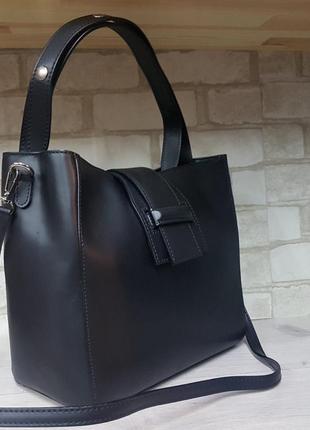 Черная  красивая сумка италия