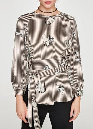 Шикарная кофейная шелковая блуза с котиками с поясом
