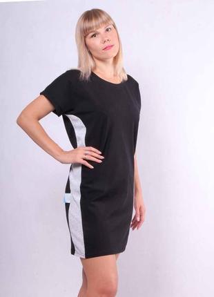 Стильное черное летнее платье с лампасами