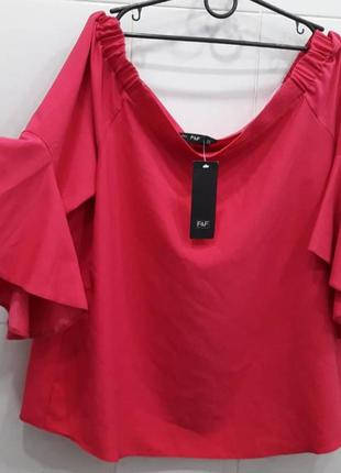 Шикарная блуза на плечи с воланами на рукавах фуксия f&f