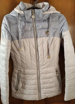 Продам осенне-весеннюю курточку