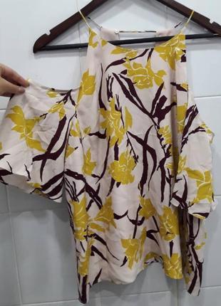 Интересная блуза с открытыми плечиками 16рр
