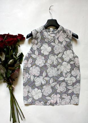 Легкая блуза с замочком на спине