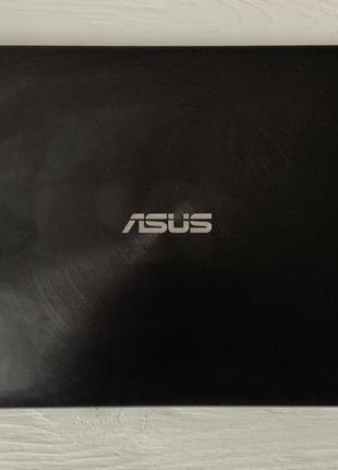 Asus Zenbook UX550VE (i7 7700hq, GTX 1050Ti, 16gb RAM, 512 SSD...