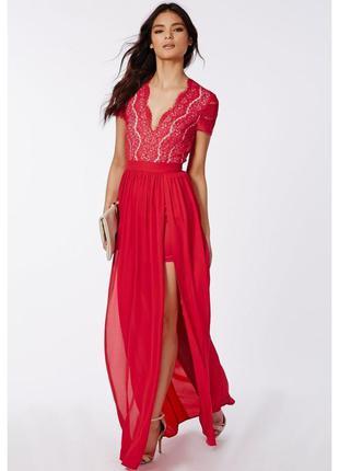 Красное вечернее платье в пол, с глубоким декольте/праздничное...