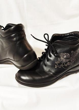 Ботинки женские демисезонные кожаные черные fly flot, италия