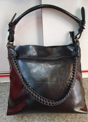 Стильная женская сумка из натуральной кожи с декоративной ручкой