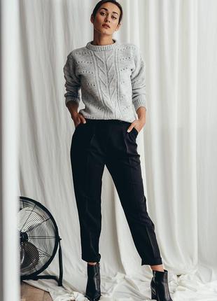 Классические черные брюки со стрелками