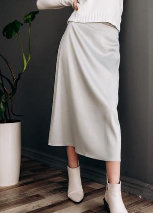 Атласная юбка миди