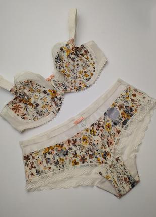 Комплект нижнего белья шикарный новый стильный marks&spencer 7...