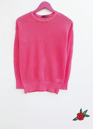 Яркий свитер сетка стильный свитерок малинового цвета
