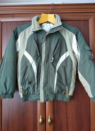 Зимняя куртка на рост 152