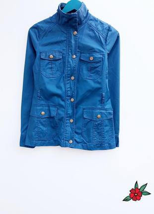 Красивая куртка джинсовая куртка очень красивого цвета s m