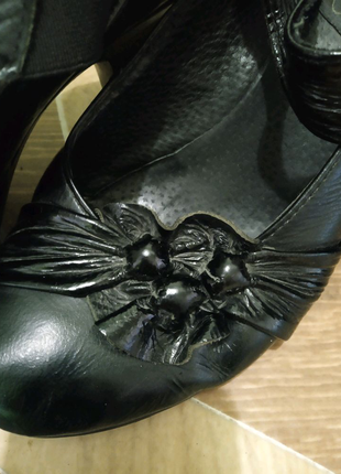 Туфли кожаные женские на каблуке