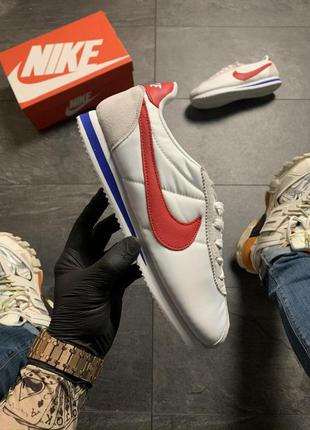 Nike cortez white red .