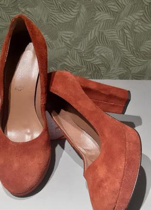 Tamaris женские туфли замшевые  кожаные на каблуке 38р
