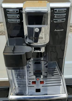 Кофемашина кофеварка Саеко SAECO Incanto HD8916 черная с молочник