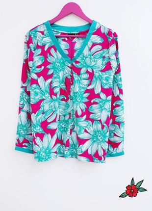 Яркая рубашка очень красивая рубашка прелесть