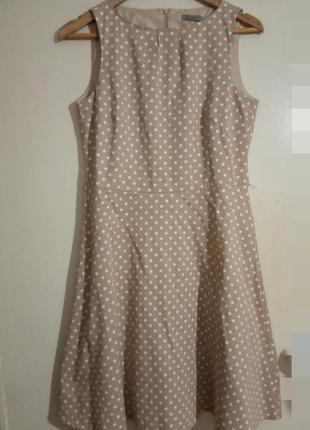 Стильное, брендовое платье бежевого цвета в горошек. montego