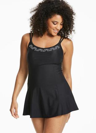 Купальник платье. сдельный чёрный купальник с вышивкой