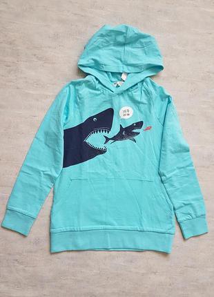 Худи с акулами h&m.