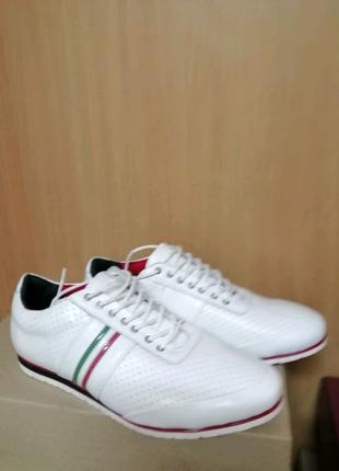 Женские кроссовки белые легкие, размер 39