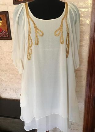 Романтичное двойное шифоновое платье с бисером