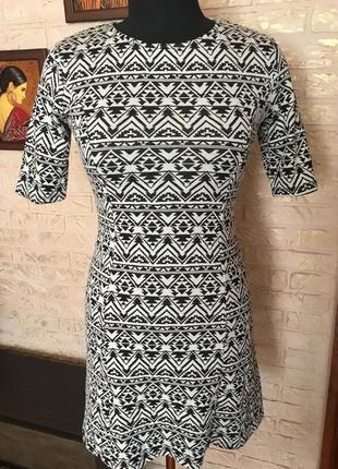 Платье в восточном узоре