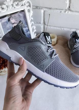 Мягкие текстильные кроссовки для спорта и отдыха