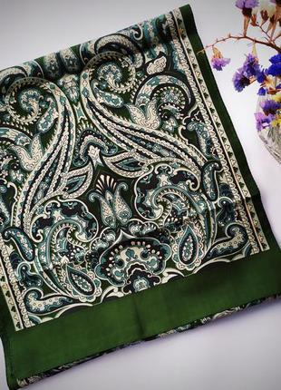 Стильный изумрудный шарф платок с узором элегантный