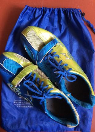 Кросівки для легкої атлетики
