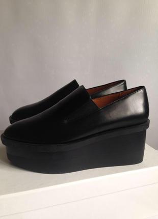 Шикарные туфли кожаные лоферы на платформе танкетке
