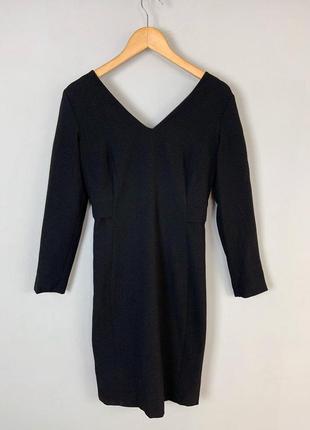 Черное качественное классическое приталенное платье с открытой...