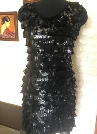 Платье в рюшечки